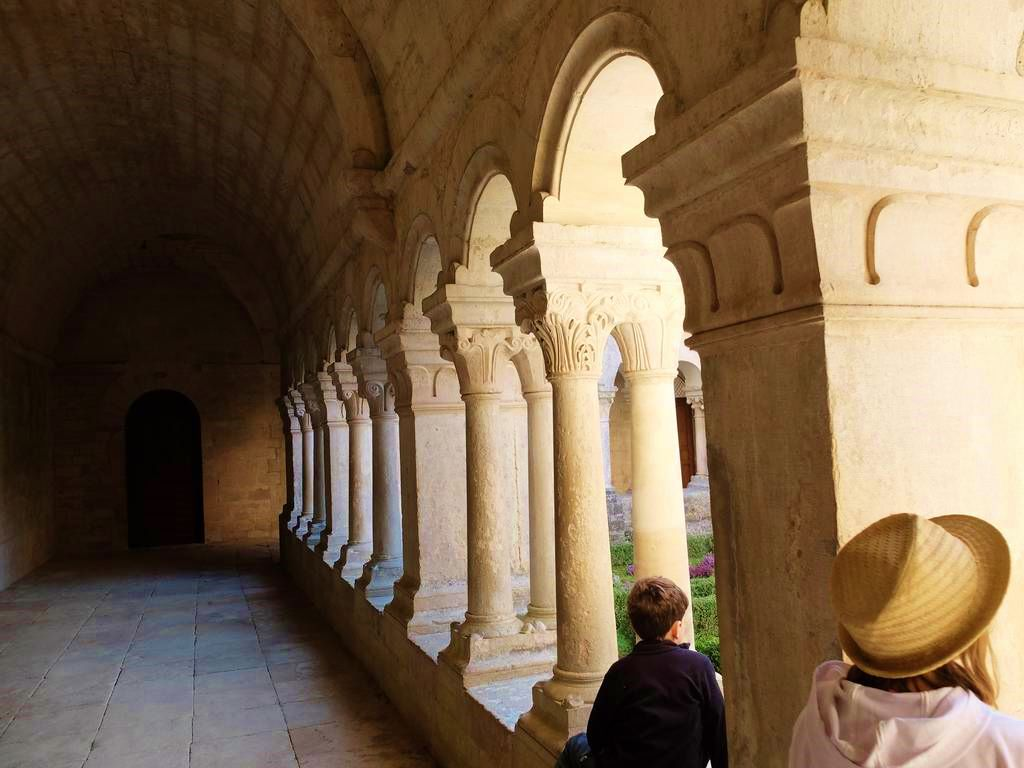 Cloître in der Abbaye de Sénanque - - Provence Sehenswürdigkeit