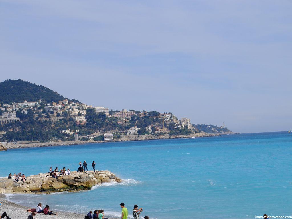 Am Strand von Nizza mit Blick Richtung Cap de Nice