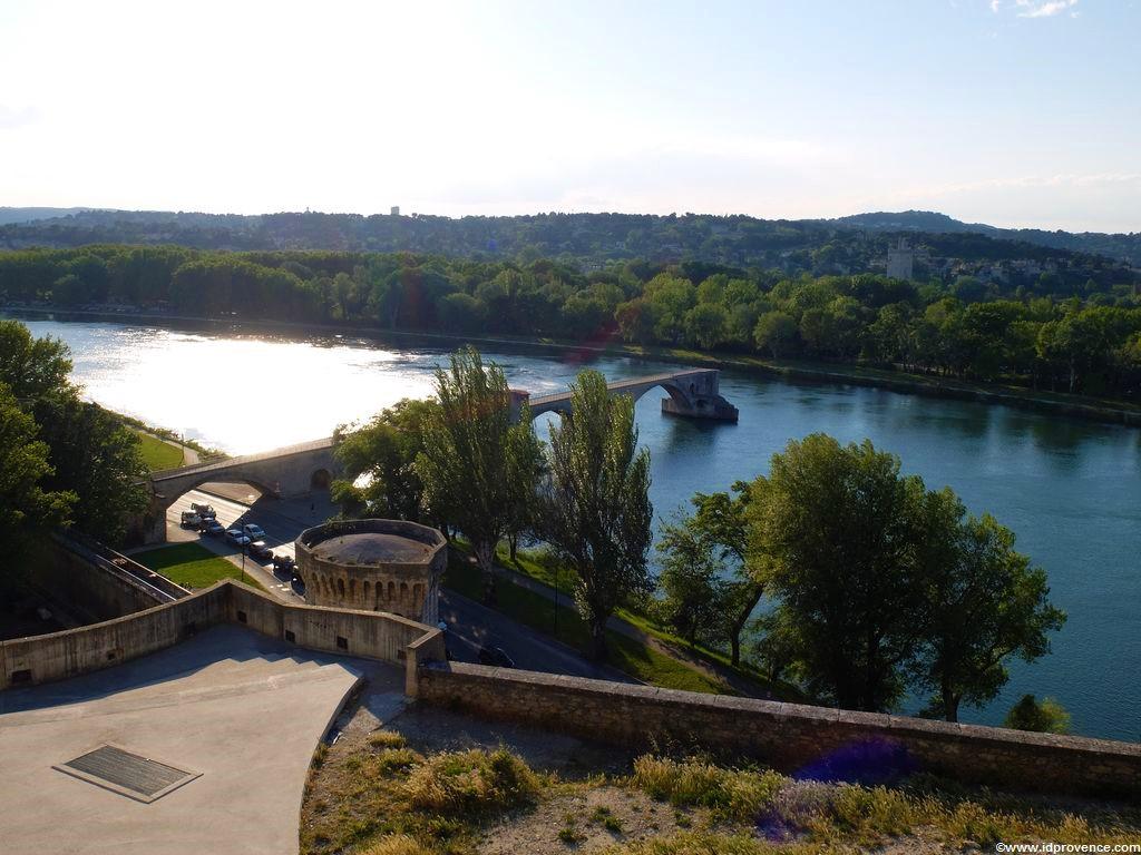 Sehenswürdigkeiten Avignon und Provenc - Die Brücke von Avignon