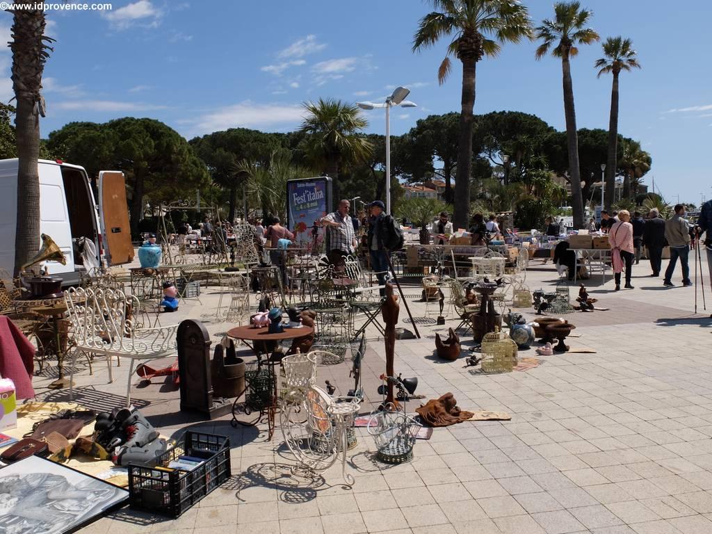 Flohmarkt in Sainte Maxime Frankreich