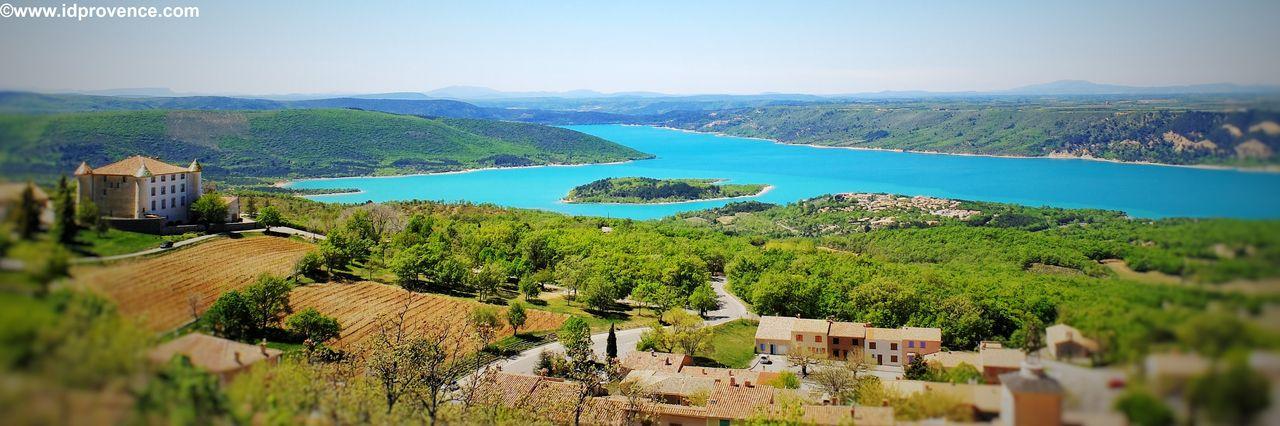 Blick auf den Lac St Croix am Gorge du Verdon - eine DER Provence Sehenswürdigkeiten