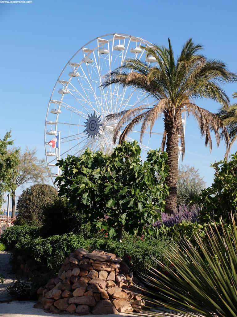 Riesenrad vom Garten Bonarparte aus