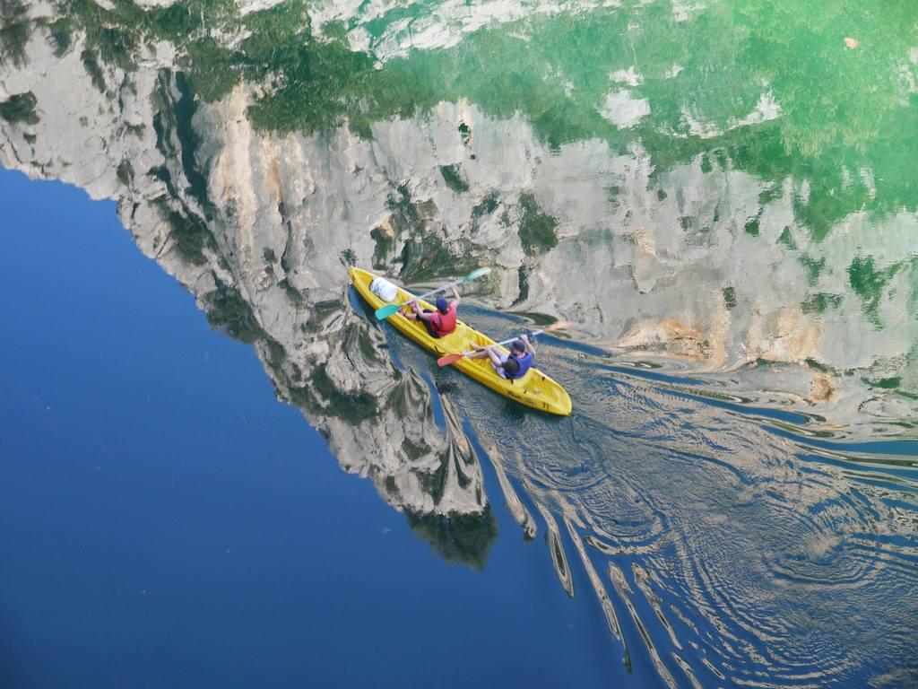 Verdon Schlucht in der Provence:Der Gorges du Verdon ist ein absolutes Provence Highlight. Hier der mitten in der Schlucht