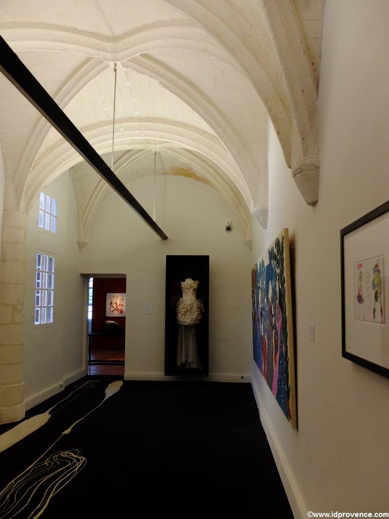 Arles in Frankreich: Es gibt mindestens 4 Gründe Arles zu besuchen. Die Sehenswürdigkeiten in Arles wie Arena oder römisches Theater sind einzigartig. Oder das Museum Réattu!