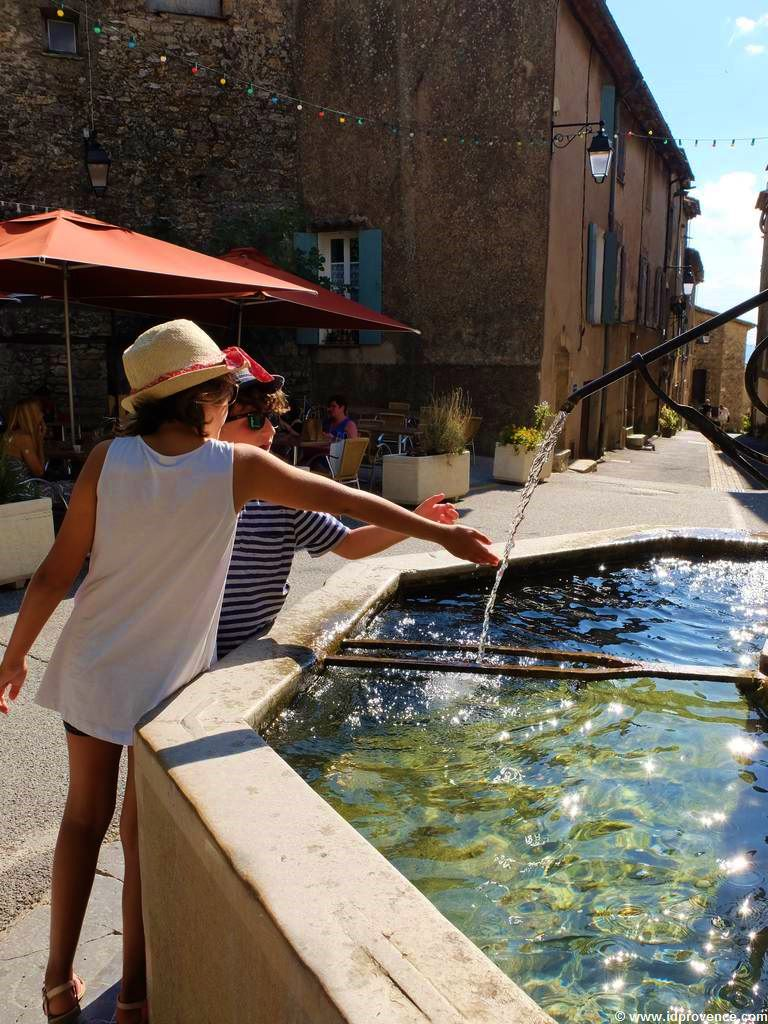 Provence Sehenswürdigkeit Tourtour auf 635 Höhenmetern