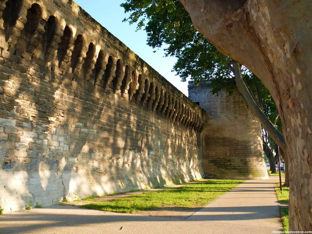 Avignon Stadtmauern, Provence Sehenswürdigkeit